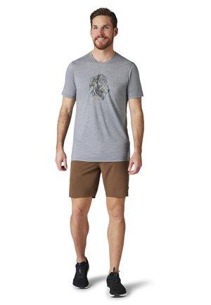LIGHTWEIGHT SPORT 150 BY THE HORNS GRAPHIC TEE - Print T-shirt - light gray heather