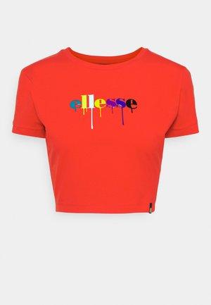 ROMANCIA CROP - Print T-shirt - red