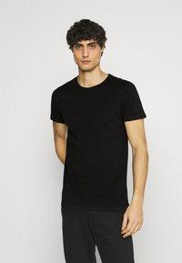Superdry - LAUNDRY TEE TRIPLE 3 PACK - T-shirt basic - black/optic/laundry grey marl - 4
