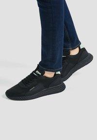 PULL&BEAR - Sneakers - black - 0
