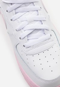 Nike Sportswear - AIR FORCE 1 BRICK - Sneakers basse - white/pink - 5