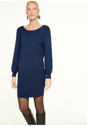MIT RÜCKENAUSSCHNITT - Jumper dress - dark blue