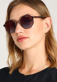VOGUE Eyewear - Sunglasses - opal beige - 1