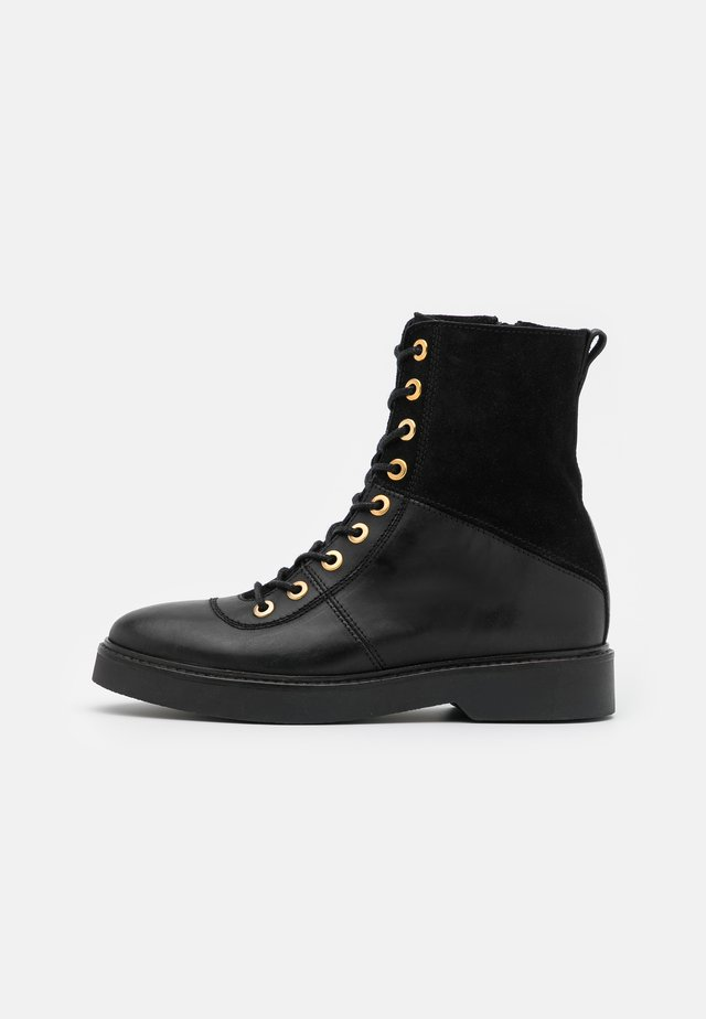 BILLIE HIGH - Lace-up ankle boots - black
