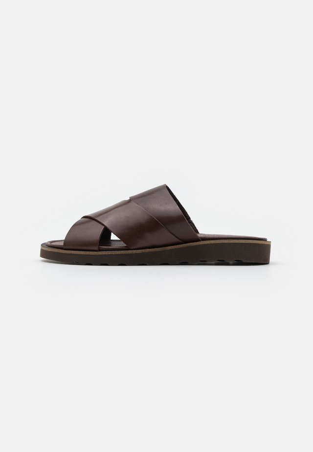 FARELL - Mules - brown