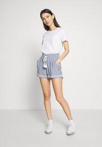 Roxy - BOLD BLOOMS - Shorts - true navy - 1