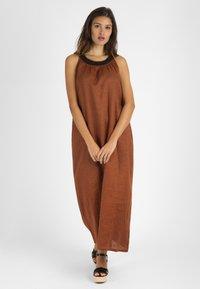 mint&mia - Maxi dress - braun - 0