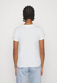 Hollister Co. - TECH CORE - Print T-shirt - white - 2