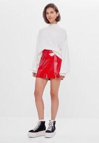 Bershka - Kožená sukně - red - 1