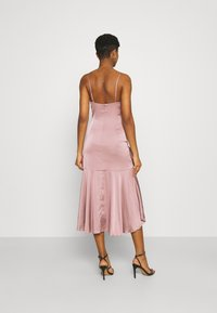 Nly by Nelly - SUCH A FLOUNCE MIDI DRESS - Cocktail dress / Party dress - dusty pink - 2