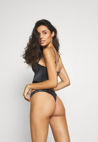 Guess - THONG - Thong - jet black - 2
