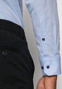 Seidensticker - SLIM SPREAD PATCH - Camicia elegante - hellblau - 4