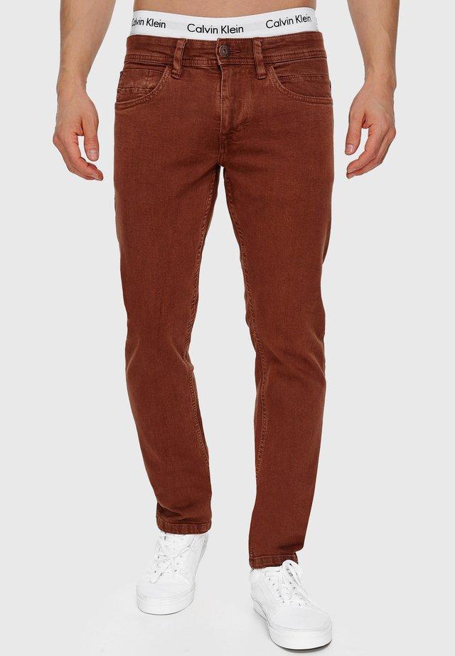 WOODS - Slim fit -farkut - brown