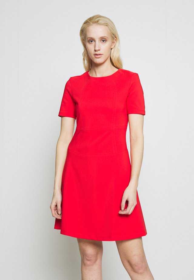 NAREI - Jersey dress - red