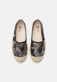 Grand Step Shoes - EVITA - Espadrilles - black - 5