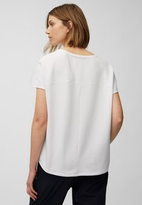 Marc O'Polo - Basic T-shirt - white linen - 2