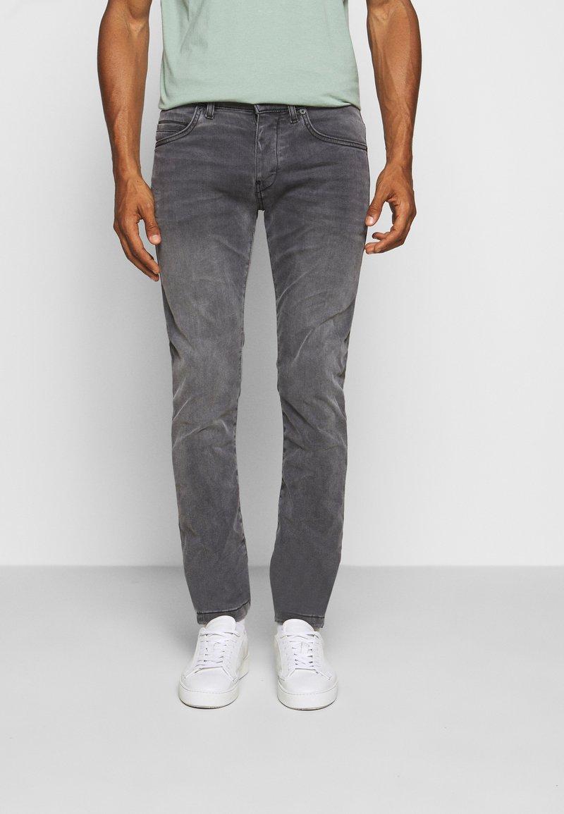 DRYKORN - JAZ - Slim fit jeans - hellgrau