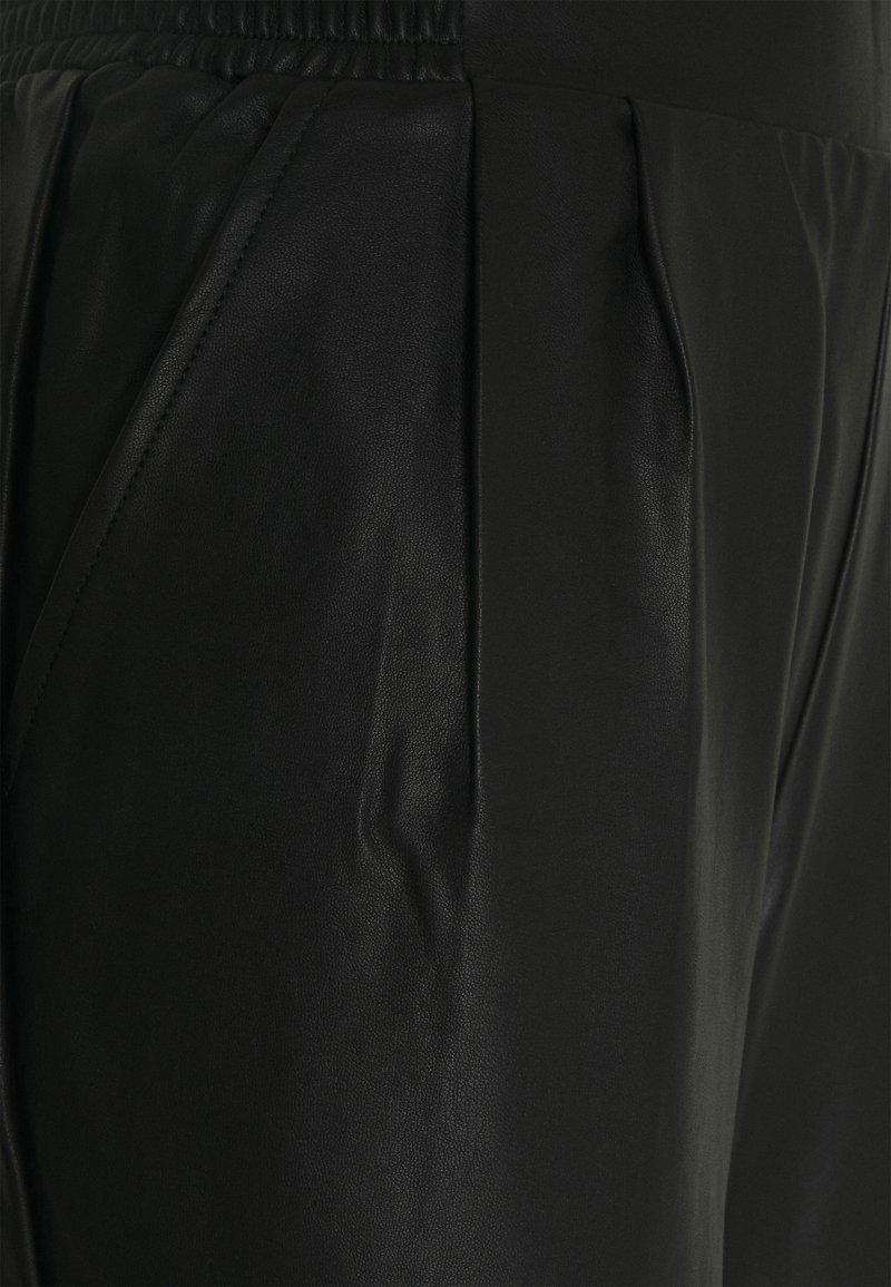 River Island Stoffhose - black/schwarz BSCpV4