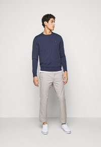 Polo Ralph Lauren - FLAT PANT - Trousers - grey fog - 1