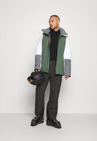 Peak Performance - SCOOT PANT - Snow pants - coniferous green