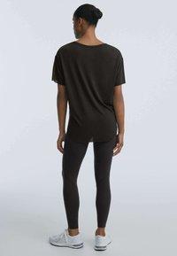 OYSHO - T-shirt basique - black - 2