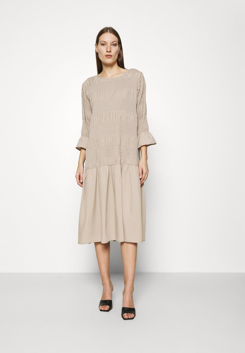 JUST FEMALE - ETIENNE DRESS - Day dress - cobblestone