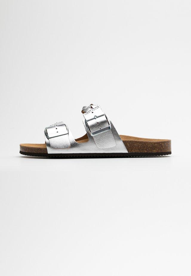 Pantofle - silver