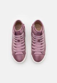 Geox - DISNEY PRINCESS BELLE KALISPERA GIRL - Sneakers hoog - dark rose - 3