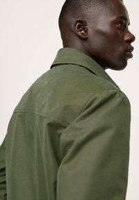 Mango - WASSERABWEISENDE - Summer jacket - khaki - 4