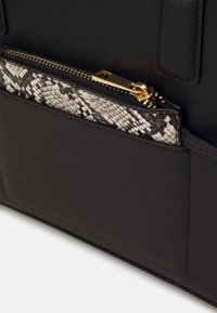 Even&Odd - Handbag - black/beige - 4