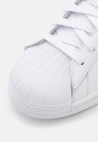 adidas Originals - SUPERSTAR UNISEX - Sneakers - footwear white/ambient sky - 5
