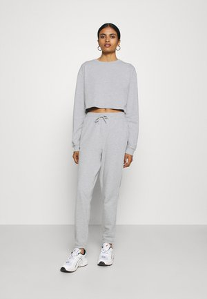 SWEAT SET CROPPED SWEATSHIRT & LOOSE JOGGER - Mikina - mottled light grey
