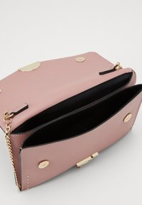 Topshop - CANDICE CLUTCH  - Clutch - blush - 2