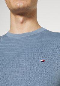 Tommy Hilfiger - ZIG ZAG STRUCTURE - Stickad tröja - colorado indigo - 6