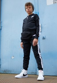 Nike Sportswear - BLAZER MID - High-top trainers - white/black - 1