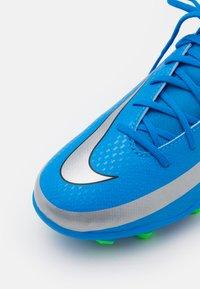 Nike Performance - JR PHANTOM GT CLUB DF MG UNISEX - Moulded stud football boots - photo blue/metallic silver/rage green - 5