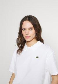 Lacoste LIVE - Print T-shirt - white - 3