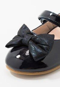 Friboo - Ballerina med reim - dark blue - 2
