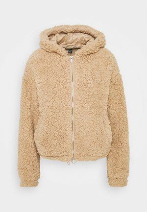 CLEO HOODED BORG SHORT BORG - Winter jacket - camel