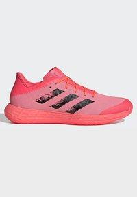 adidas Performance - ADIZERO LIGHTSTRIKE INDOOR SPORTS SHOES - Handball shoes - sigpnk/cblack/coppmt - 6