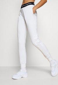 Champion - CUFF PANTS LEGACY - Tracksuit bottoms - white - 0