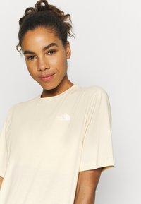 The North Face - LIBERTY TEE - Print T-shirt - bleached sand - 4