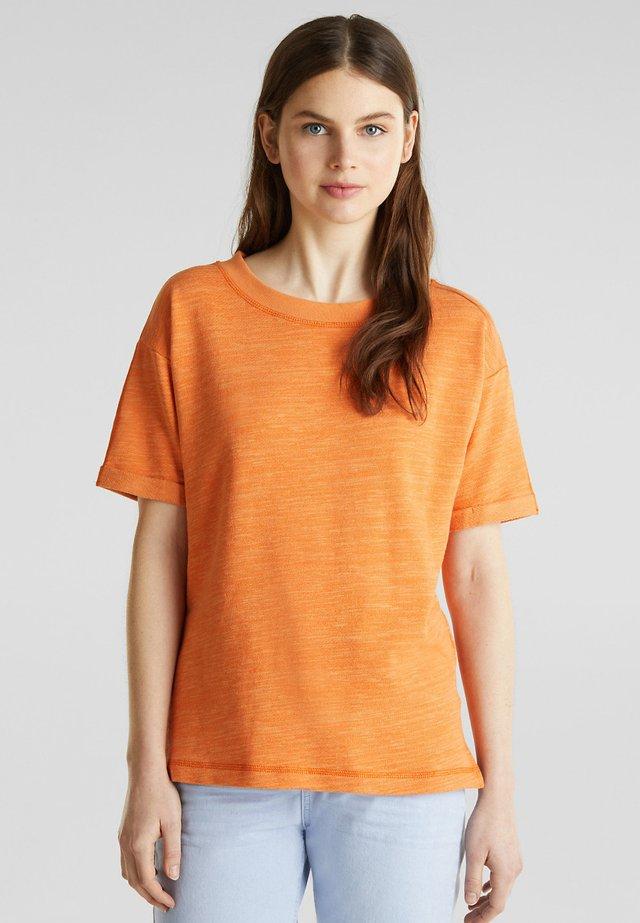 Basic T-shirt - rust orange
