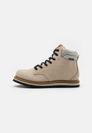 DORADO LIFESTYLE SHOES WP - Hikingsko - gesso