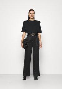 Selected Femme - SLFOLINE PADDED TEE  - Print T-shirt - black - 1