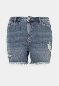 Vero Moda Curve - VMERASA  - Shorts di jeans - medium blue denim - 0