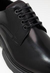 HUGO - Šněrovací boty - black - 5