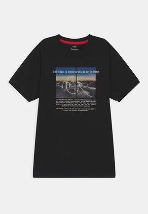 ASH - Camiseta estampada - black