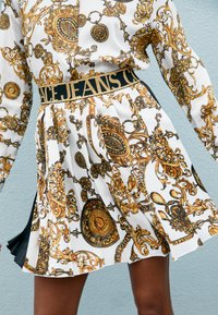 Versace Jeans Couture - SKIRT - A-line skirt - white/gold - 3