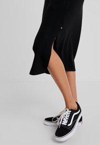Le Temps Des Cerises - Maxi dress - black - 4